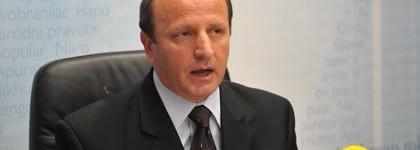 Ixhet Memeti: Maqedonia ka sistem të dobët për pranimin e migrantëve